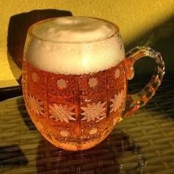 broušený pullitr na pivo