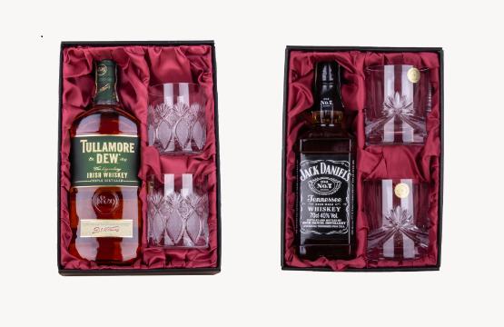 Whisky v dárkovém balení s křišťálovými sklenicemi